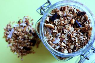 Orzechowo-kokosowa granola