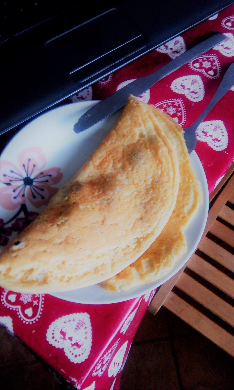 Wegański omlet biszkoptowy
