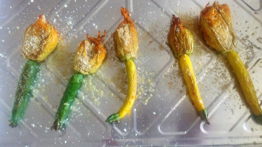 Kwiaty cukinii z serkiem z nerkowców