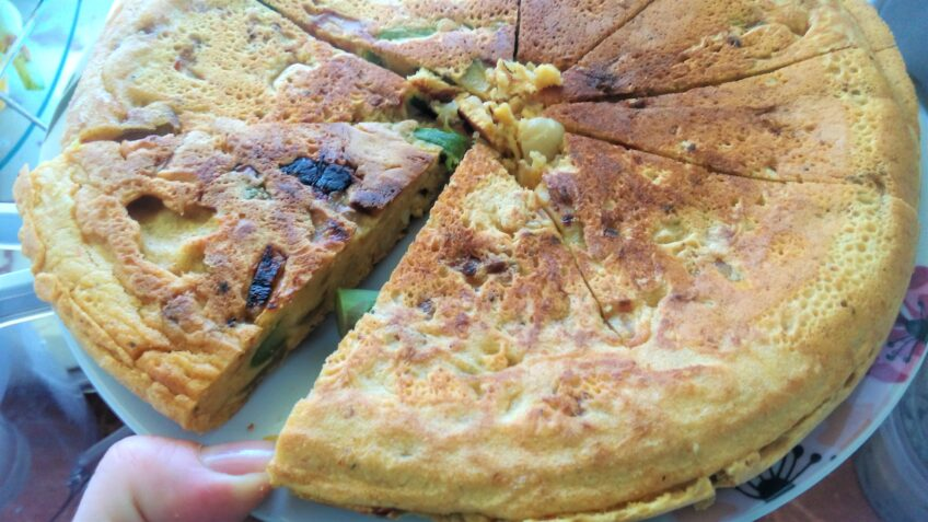 Wegańska tortilla ze szparagami
